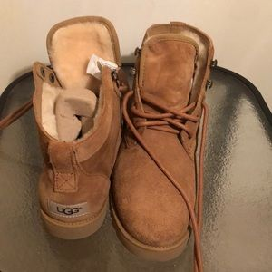 f8cfd40cca4 Women Ugg Bethany on Poshmark